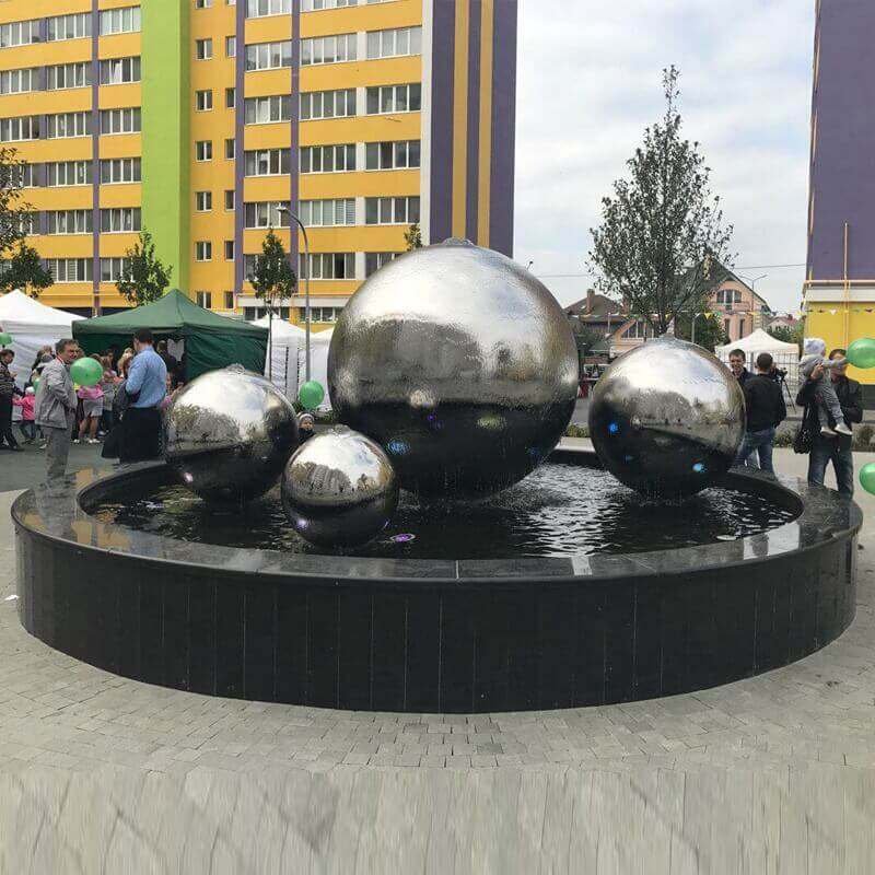 Stainless-Steel-Sphere-Water-Feature